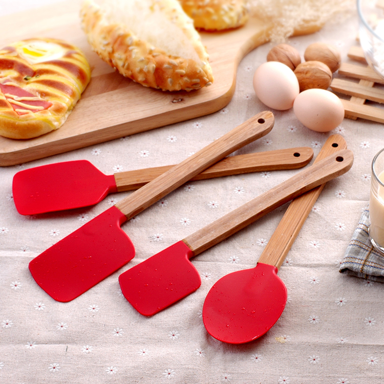 4PCS/Set Silicone Spatula Silicone cake baking tool with bamboo handle scraper high-temperature mixing butter cream spatula