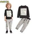 Menoea Baby Boy Ropa Set 2017 Nueva Primavera y Otoño Oscuro gris de manga larga t-shirt + pantalones largos ocasionales 2 unid cabritos del juego ropa