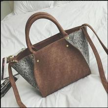 วินเทจผู้หญิงสูงส่งกระเป๋าแฟชั่นใหม่2016งูกระเป๋าสะพายC Rossbodyความจุขนาดใหญ่กระเป๋าผู้หญิงของMessengerกระเป๋า