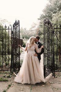 Image 5 - Платье Свадебное ТРАПЕЦИЕВИДНОЕ с V образным вырезом, мягкое Тюлевое с длинными рукавами, кружевной аппликацией, с поясом с бусинами, с открытой спиной и шлейфом, свадебное платье