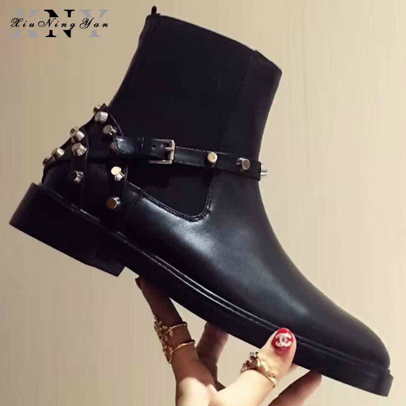 XIUNINGYAN 2018 Motorcycle Boots Retro England Style Knight Boots Genuine Leather Rivet Woman Casual Shoes Ankle Martin Boots women martin boots 2017 autumn winter punk style shoes female genuine leather rivet retro black buckle motorcycle ankle booties