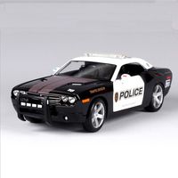 1 18 2006 Doggde Challenger Concept Scale Die Cast Police Alloy Car Diecasts Vehicles Collection Metal
