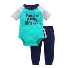 Varejo crianças bebes Roupa do menino Da Menina Do Bebê terno de Santa do mundo verde 2 pcs conjunto de manga longa e calças tarja bebê chothing definir