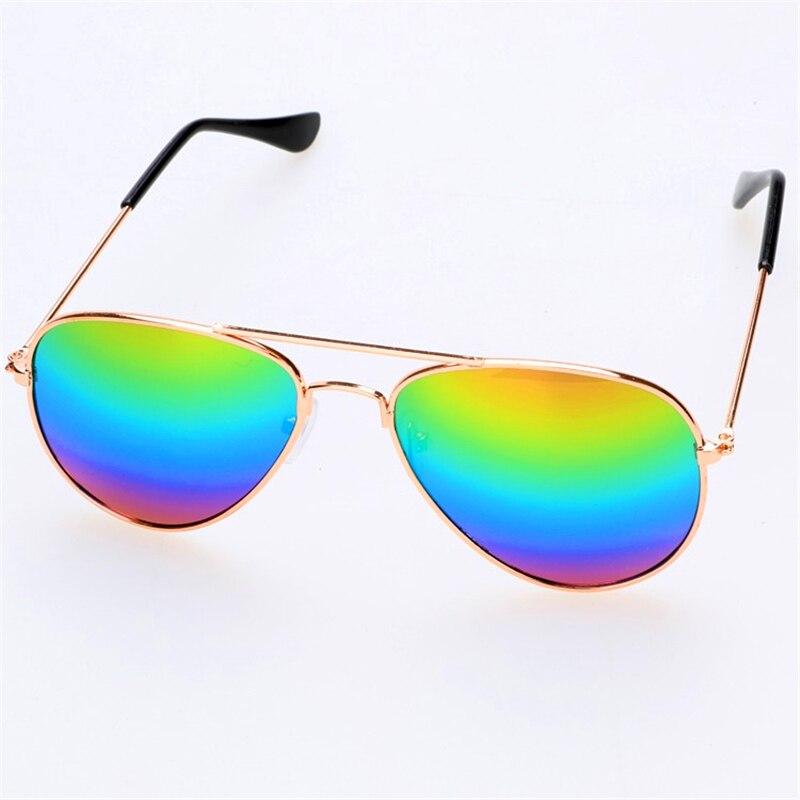 Ragazzi con gli occhiali datazione