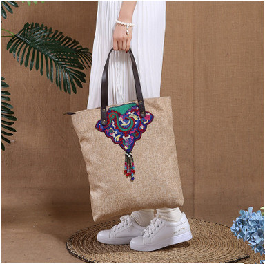 2017 Fashion embroidery bags!Hot Women Shoulder&Handbags Top Vintage casual embroidered Multi-use bag All-match Shopping Carrier