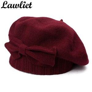 Image 1 - Lawliet נשים כומתת חורף כובע 1920s שיק סגנון 100% מבושל צמר קשת פרטים חורף כפת Skullies הבסקים צרפתית אמן מצנפת