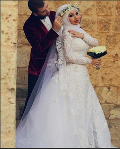 Image 3 - Fashion White Muslim Wedding Dress Hijab Long Sleeves Lace Beaded Dubai Arabic Wedding Gown Bridal