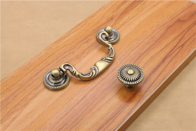 Antique Brass Single Double Hole Furniture Cabinet Knobs And Handles Drawer Cabinet Desk Door Pull Handle Knob With Screws 10pcs pure copperkitchen cabinet handles and knobs black furniture handle for kitchen cabinet drawer pull 96mm 128mm single hole