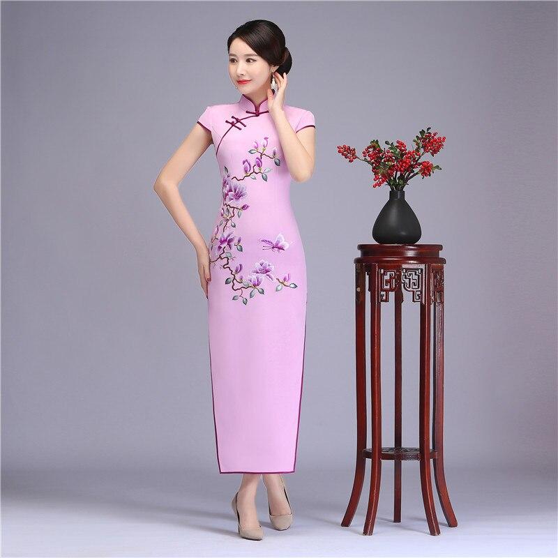 78529eade04 Королевский Девушка 100% шелк Длинные Cheongsam Китайская традиционная  вышивка цветок Qipao Винтаж леди Повседневное платье Oversize летние платья