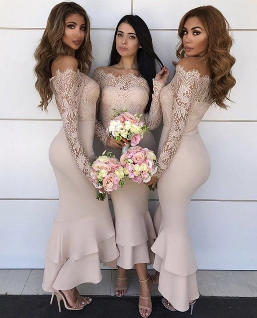 Sampanye Warna Perahu Leher Lengan Panjang Renda Satin Ankle-Length Mermaid  Bridesmaid Gaun Seksi Renda 8d98e0e94077