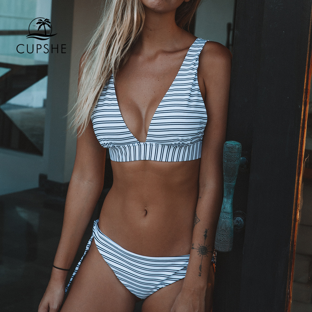 CUPSHE Out Of The Ordinary Stripe Bikini Set Women Sexy Back Hook Thong Two Pieces Swimsuit 2020 Beach Bathing Suit swimwear