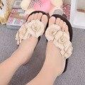 2016 Colores Del Caramelo de Las Mujeres Del Verano Mujeres Flip Flop Camelia Grande Sandalias Femeninas Zapatos Zuecos de Playa Pisos Women Shoes 5d71T