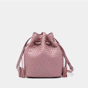 The single shoulder New pattern  Bucket bag  Genuine leather  Sheepskin  Women's  The single shoulder bag   Cylindrical package