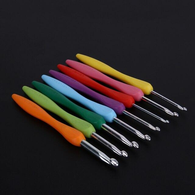 Uncinetto Set 2.5-6.0mm 8 pz/set di Alluminio Ergonomico Crochet Aghi Colorato con Impugnatura In Gomma Morbida Imbottito Maniglie aghi 4