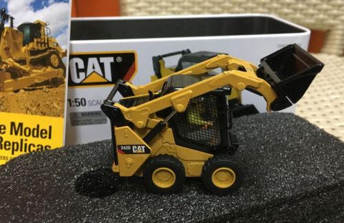 85525 Caterpillar Cat 242D Skid Street Loader de Diecast Master #1/50