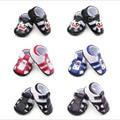 2016 Nueva Moda Guapo Informal Bebé Recién Nacido Kid Primeros Caminante Zapatos de Verano Parte Inferior De Goma antideslizante Al Aire Libre Cuna Zapatos De niño