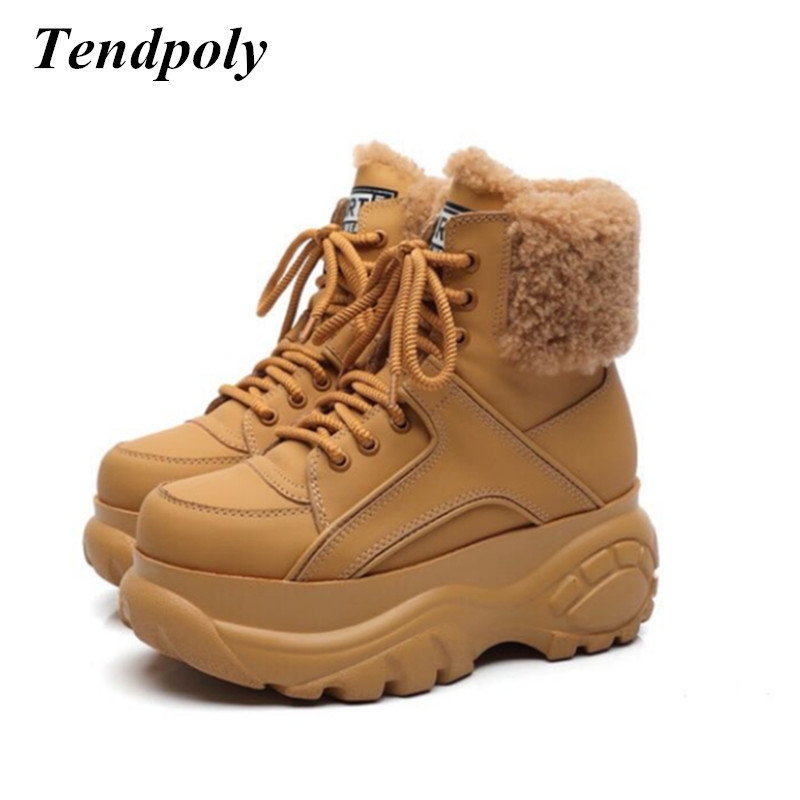 все цены на New fashion retro high-top increasing Leather women's boots winter thick-soled sell well casual sports shoes Warm women booties онлайн