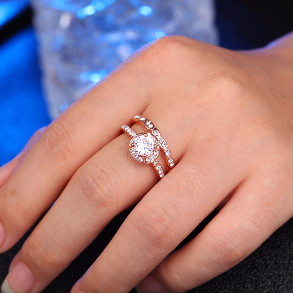 Which Hand Wedding Ring Female.Us 1 87 42 Off New Fashion Women S Wedding Ring Jewelry Green White Engagement Ring Female Rhinestone Commitment Commitment Ring In Rings From