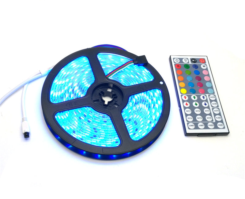 IP65 vízálló 5050 RGB 5M LED csíkkészlet + 44Keys IR vezérlő + - LED Világítás - Fénykép 6