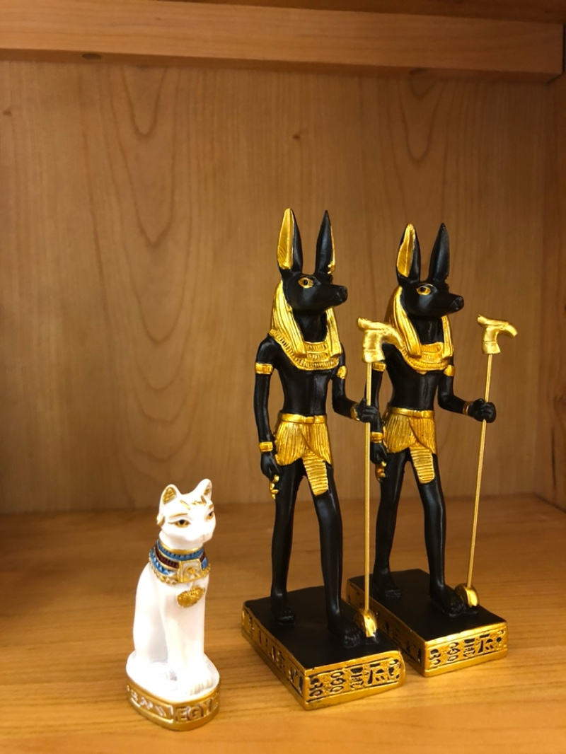 Mummy returns to the ancient Egyptian gods Anubis dog god ornaments Horus  patron saint souvenirs