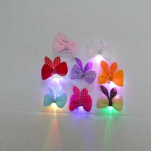 Image 2 - จัดส่งฟรี 12 ชิ้น/ล็อตRGB LED Light Upกระพริบดอกไม้คลิปผมตกแต่งผีเสื้อLEDกระพริบผมคลิป