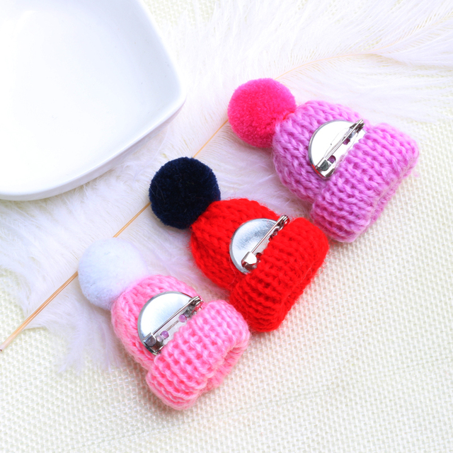 19 Color Cute Mini Knitted Hairball Hat Brooch Sweater Pins Badge 5