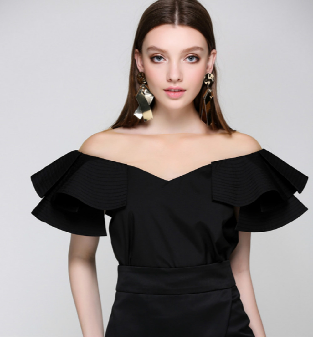 Runway Women s Blouses Sexy Fake Off Shoulder Patchwork Lace O neck Ruffles Designer 2017 Summer