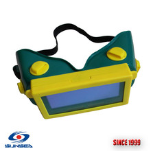 цены Cheapest Auto darkening  CE Welding Goggle, tig mig welding mask Glasses , DIN3/11 Welding Goggles