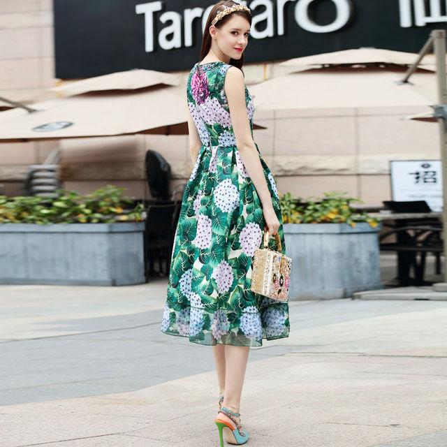 Runway design catwalk women print dress