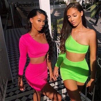 KGFIGU femmes ensembles 2019 nouveaux arrivants une épaule orange et vert deux pièces ensembles sexy hauts et jupes survêtements ensembles assortis 1