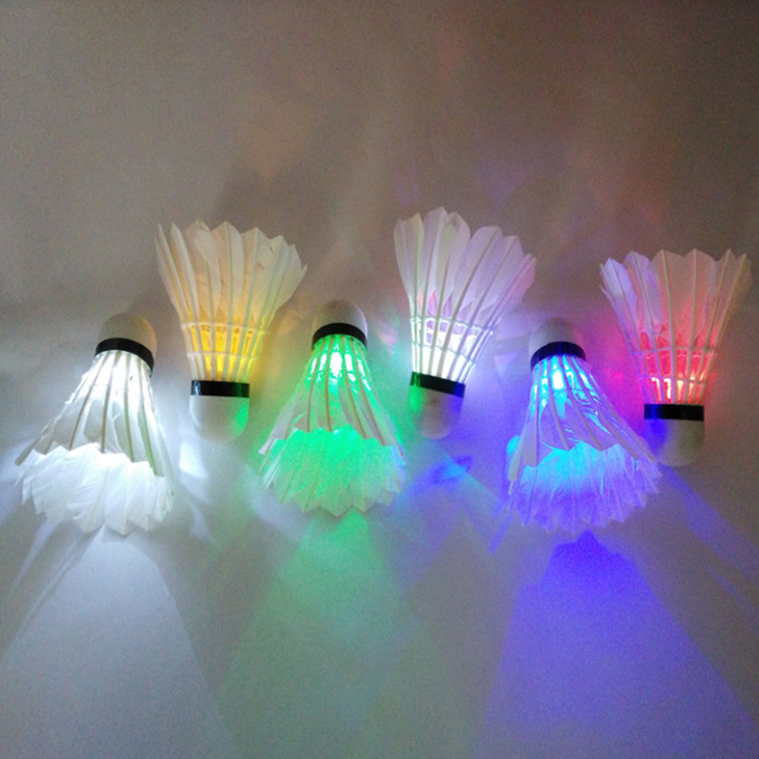4 PCs Colorful LED Badminton Shuttlecock Ball Volants Badminton Plume Feather Glow In Night Outdoor Sport Accessories