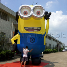 купить Free shipping giant inflatable minion,birthday party inflatable despicable me minion with blower sale по цене 51478.52 рублей