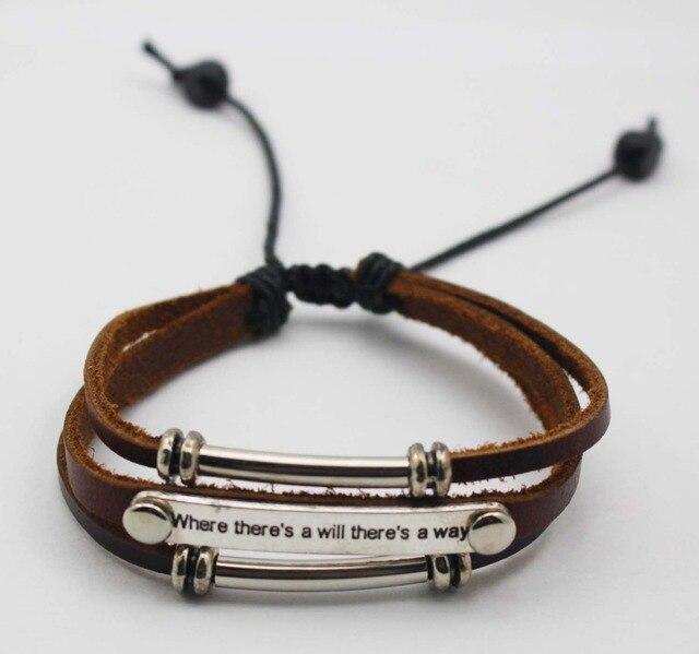 2a6c06c78cce Personalizada Celebrado Pronunciamiento Charelets con grabado pulseras de  Cuero Genuino de la Vendimia Simple Pulsera Del