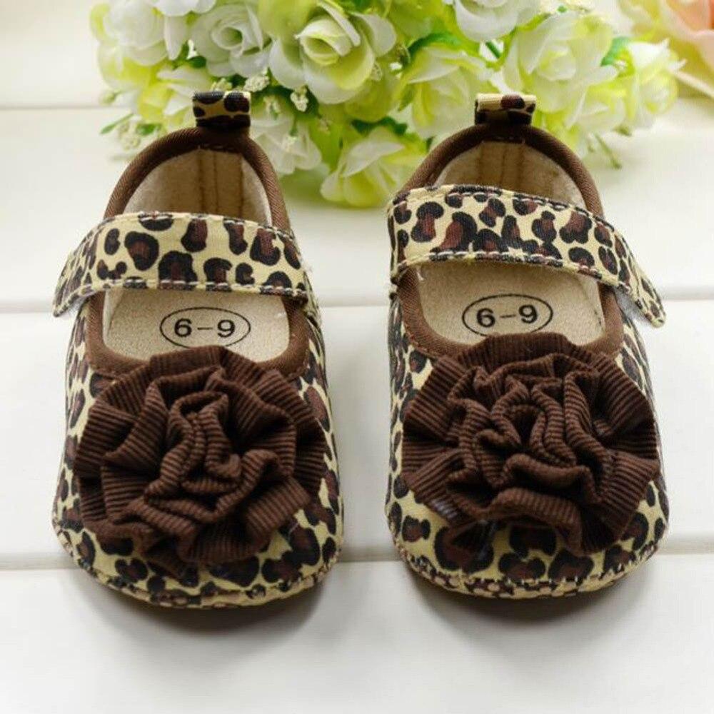 cd2727170caf Vente chaude Bébé Enfants de Filles Premiers Marcheurs Chaussures Enfant En  Bas Âge Infantile Leopard Fleur Princesse Chaussures Doux Taille 1 2 3