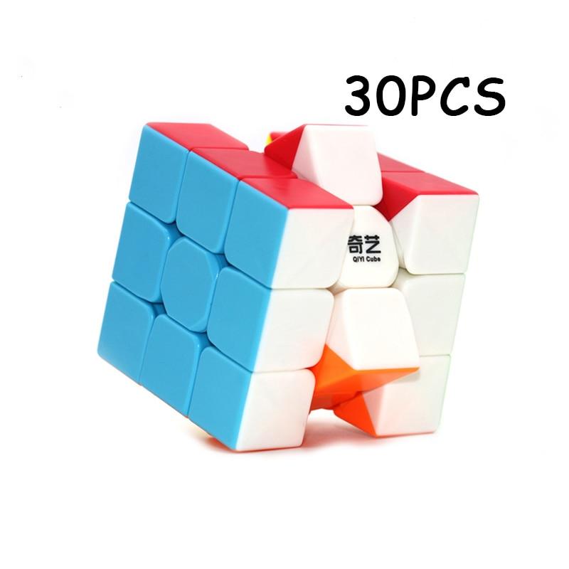 30 pièces offre spéciale QiYi guerrier cube magique 3x3x3 compétition professionnelle Cubo magico vitesse torsion Puzzle néo Cube jouets pour enfants