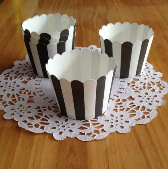 Бесплатная Shipping100pcs пергаментную бумагу черный в полоску Цвет кекс случаях muffin