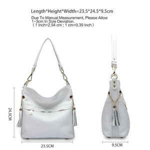 Image 5 - Zency 100% натуральная кожа, Очаровательная женская сумка на плечо с кисточкой, модная женская сумка мессенджер через плечо, сумочка черного и белого цвета