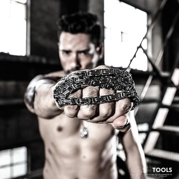 Titanium steel multi-function tool, men's bracelet. Outdoor tactical EDC chain. Convenient defense decoration pendant nfstrike multi function fsbe outdoor tactical stab resistant accessories for nerf cs defense black