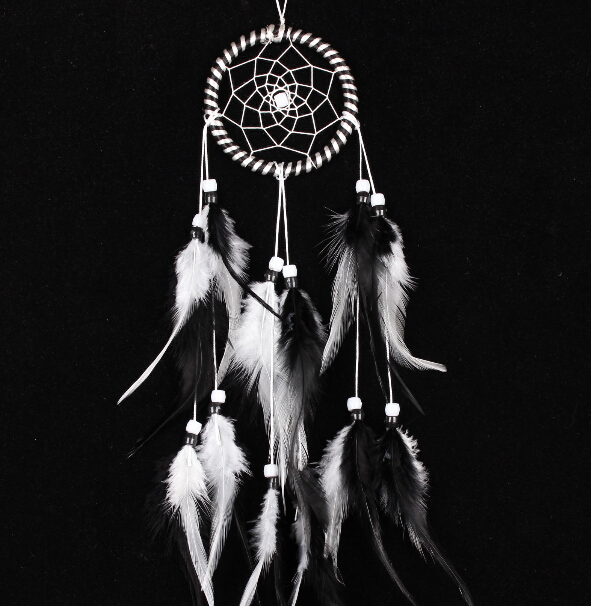 Dreamcatcher White Black Wind Chimes Indian Style Feather Pendant Dream Catcher European House Car Decor Religious Mascot Hot