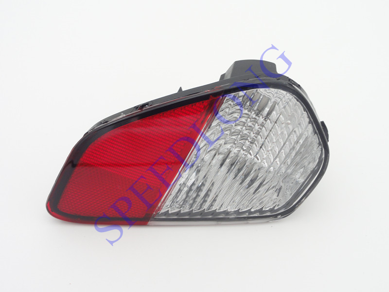 1 PC RH Right side Red Rear Bumper Light Fog Reflector Lamp for Mitsubishi Outlander 2016 1 pc rh right side front fog light bumper driving lamp with cover for mazda 6 2003 2005