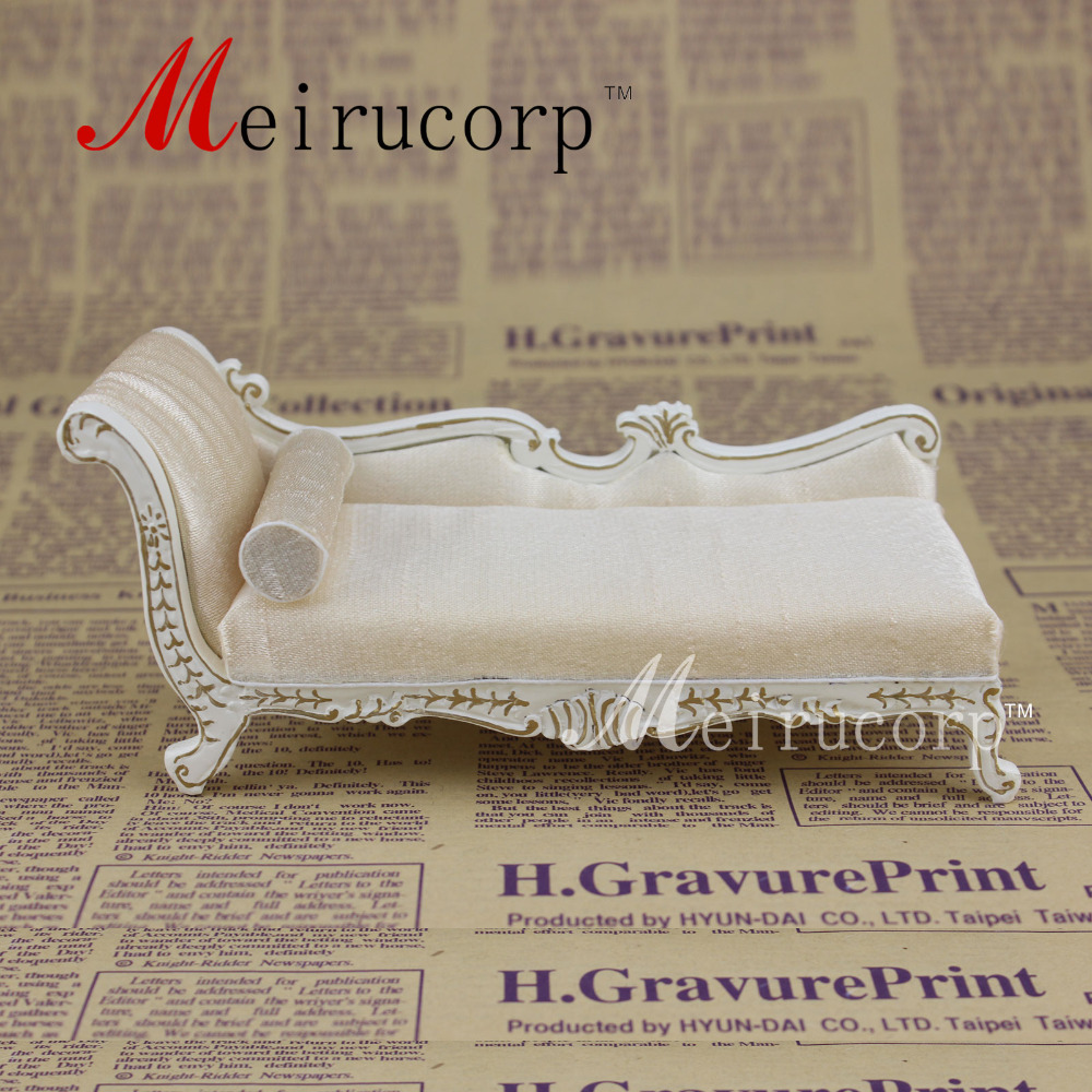 ФОТО miniature furniture White couch And pillow for Dollhouse 1/12 scale