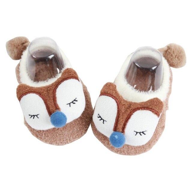 Bebé calcetines zapatillas carta impreso de algodón de invierno muchachos  de las niñas 82b4bdbe4b0