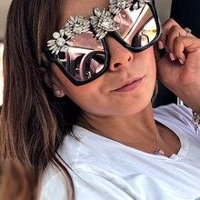 نظارات شمسية فاخرة مصنوعة خصيصًا من الكريستال للنساء نظارات شمسية مربعة كبيرة بحجر الراين كبيرة الحجم ذات إطار عتيق للنساء