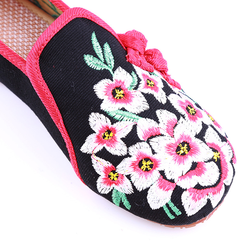 Ladies Old Peking Flower Shoes Women Casual Flats Shoes Peach Blossom Embroidered Cloth Clogs Shoes Super Soft Flats Girls 13