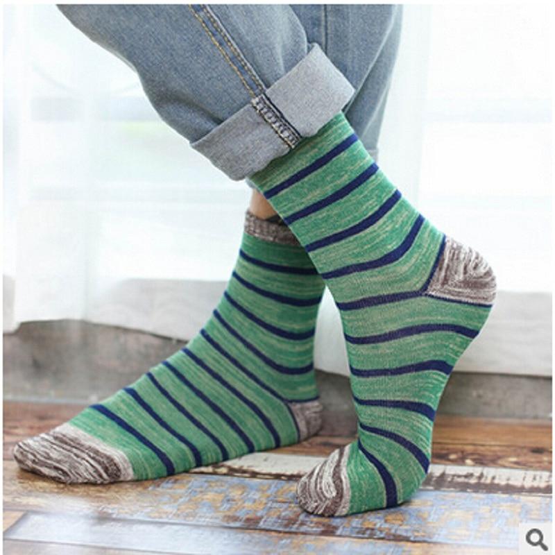 2018 New Arrival Hot Sale Cotton Standard Calcetines Hombre Mens Socks Fan Art Fashion Striped Casual Men In Tube Socks
