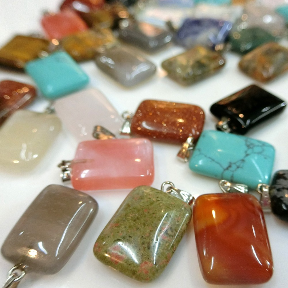 Wholesale 50pcs//lot Mixed pierres naturelles point Chakra Healing Gemstone Pendentifs