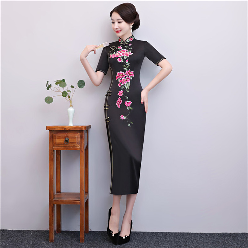 Black Vintage Embroidery Flower Slim Cheongsam Chinese Traditional Women Satin Sexy Dress Elegant Long Plus Size 4XL Qipao