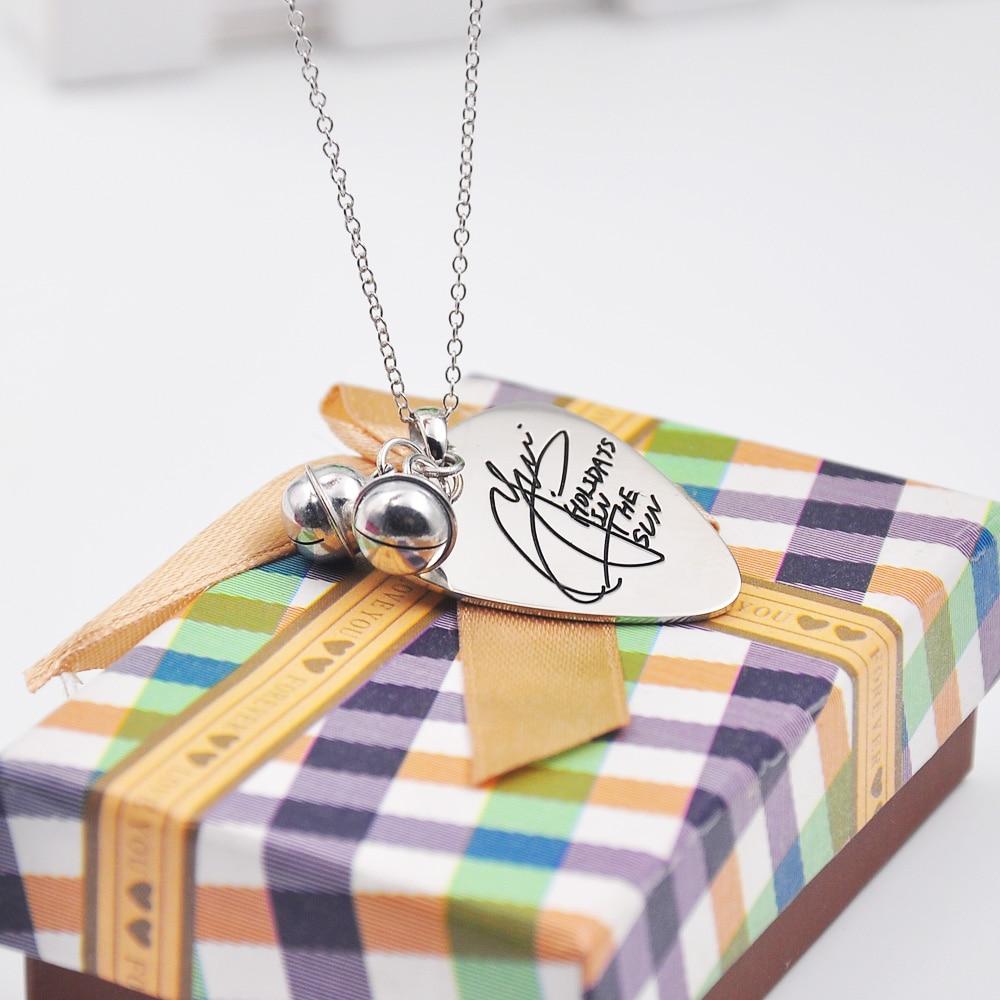 Collier de guitare en argent massif avec cloche, graver votre Signature, collier de nom personnalisé, bijoux écrits à la main