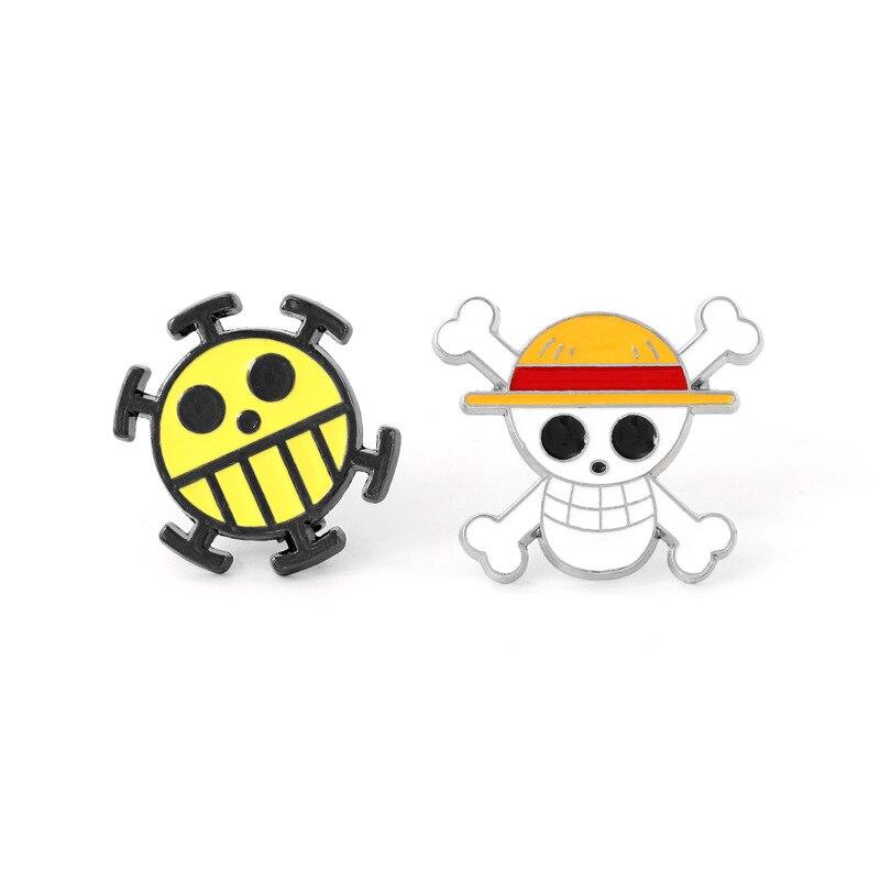Anime One Piece Badge Luffy Trafalgar Law Logo Cosplay Costume Accessories Fashion Metal Brooch