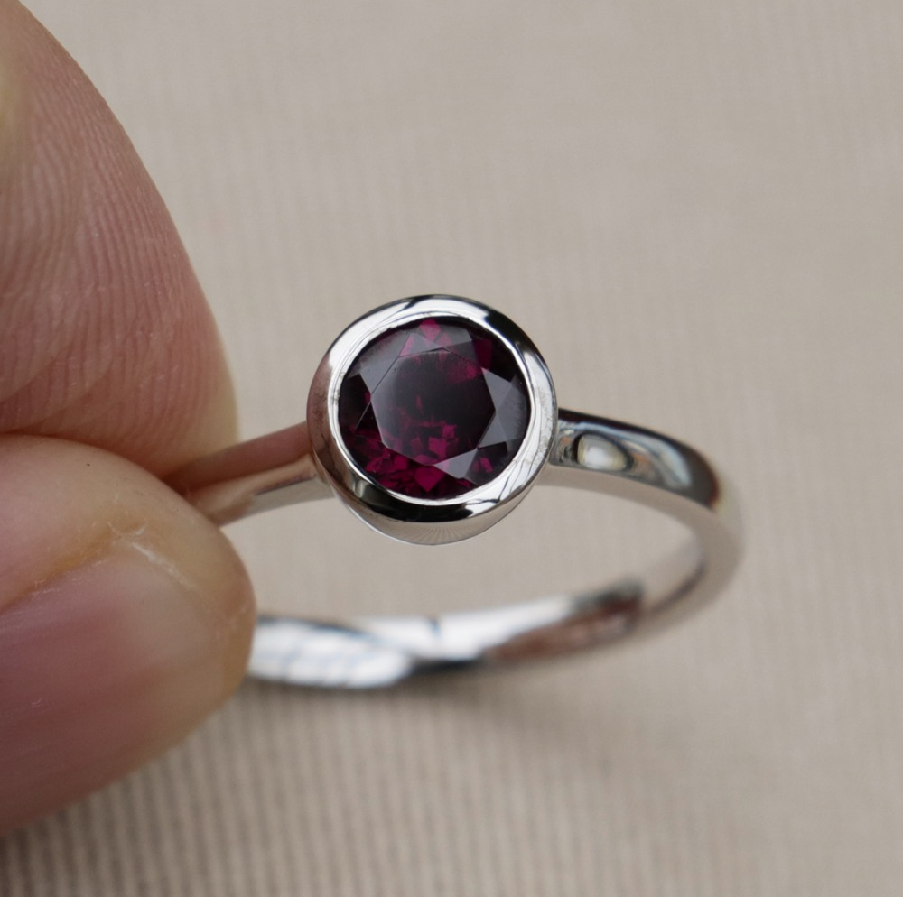 Wellmade Solid 925 Sterling Silver&Unique Natural Purple Garnet Ring